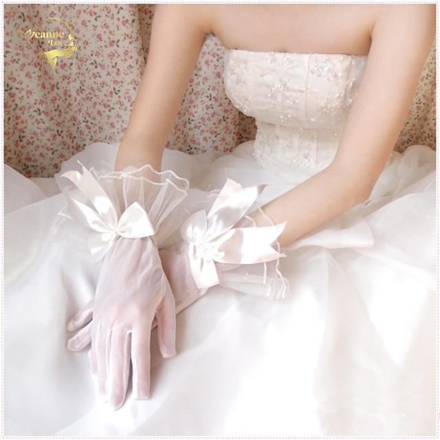 18ebd112f4134 US $4.29 14% OFF|2018 Yarn Bow Meters White Red Black Gloves Bride Short  Design Full Usuginu Gloves Wedding Dress Marriage Gloves G011-in Bridal ...