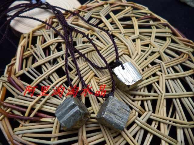 Pierre naturelle pendentif collier scintillant flash chalcopyrite minerai pierre pendentif inhabituel énergie cristaux pendentif à breloque