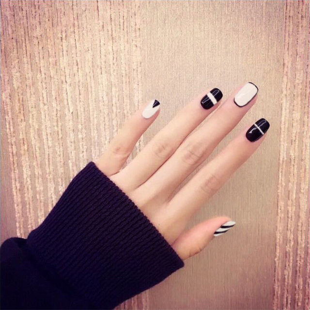 24pcs Black White Short Fake Nails Art Tips Acrylic Nail Full False ...