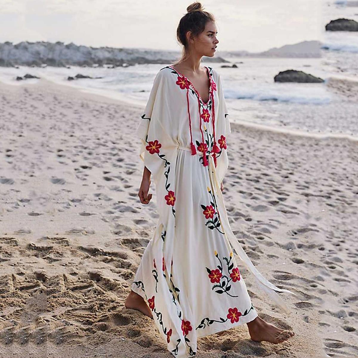 Jastie Boho Floral Brodé Caftan Femmes Robe Col V avec Glands Robe D'été Surdimensionné Manches Chauve-Souris Maillot de Bain Plage Robe
