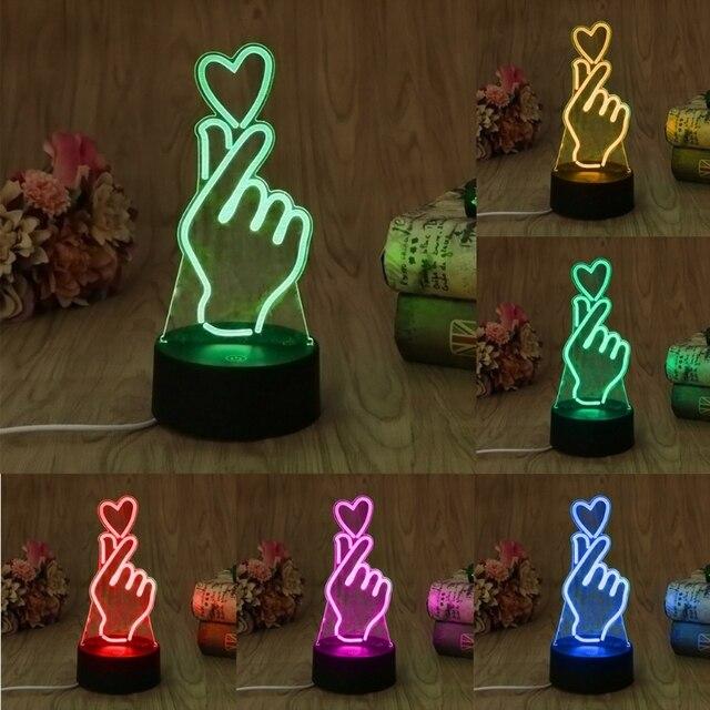 ヤムusbノベルティ7色ロマンチック変更指ハートledナイトライト3dデスクテーブルランプ魔法の夜の光