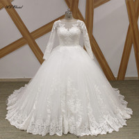 2018 White Long Sleeve Princess Wedding Dress High Quality Beaded Lace Tulle Puffy Long Train Vintage Bridal Gowns Fast Shipping