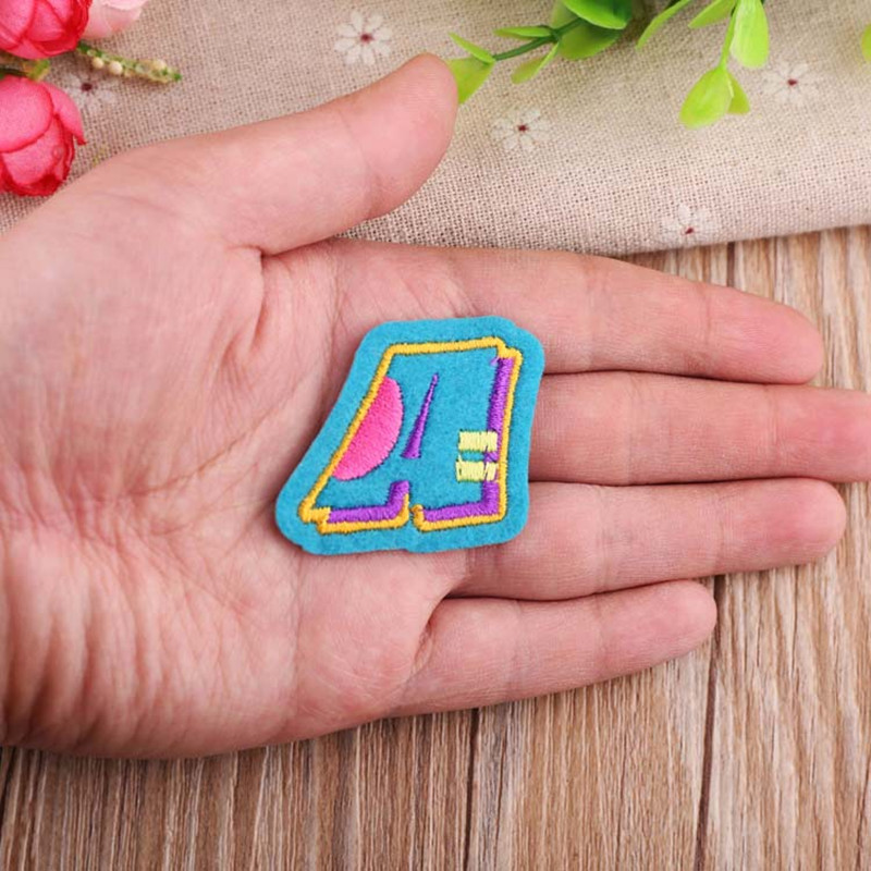26-English-Letters-Patch-Alphabet-Word-Embroidered-Iron-on-Brand-Patch-for-DIY-Stripes-Motif-Appliques (1)