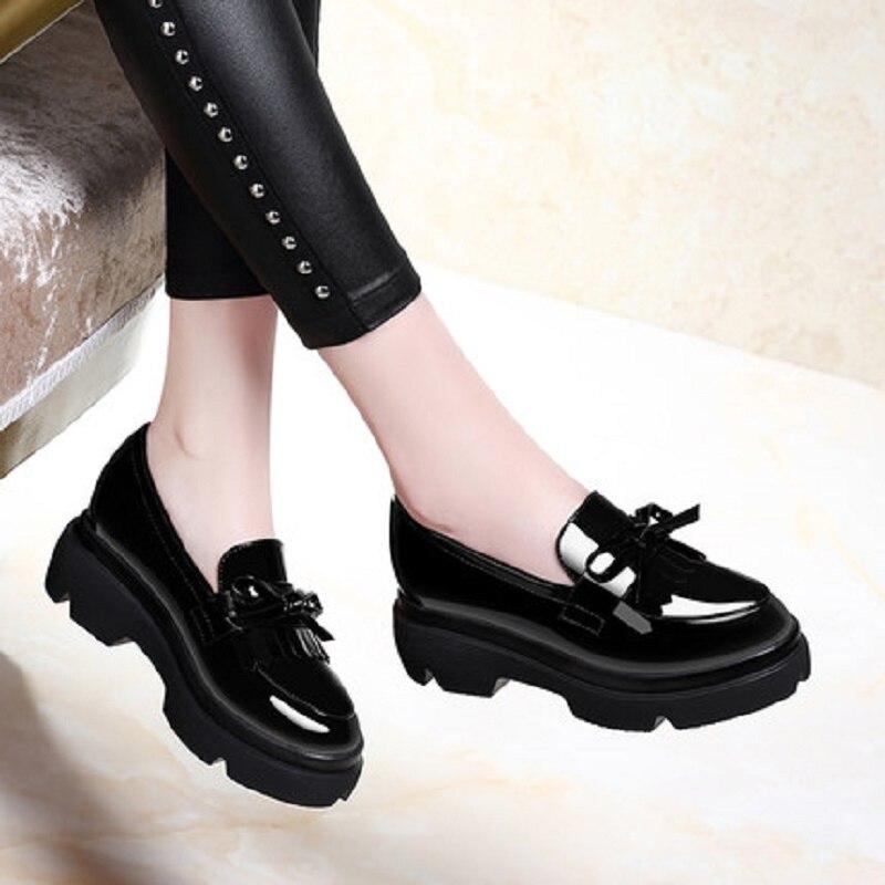 где купить 2018 New Spring Muffin bottom shoes thick Korean black wild British small shoes patent leather shoes female по лучшей цене
