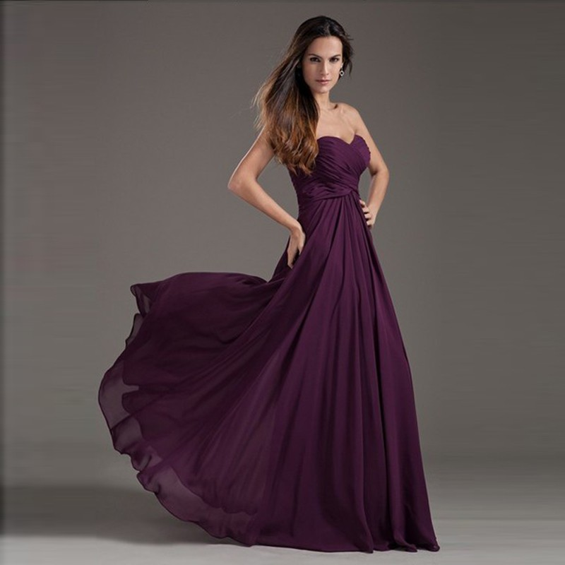 2017 Floor Length Off The Shoulder Pleated Lace up Bridesmaid Dresses 2017 Long Chiffon Purple Sweetheart Wedding Party Gowns 3