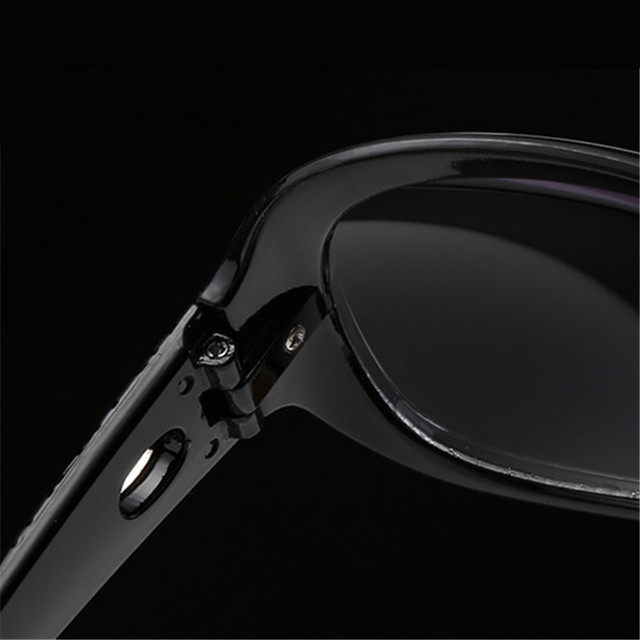 Vintage Fashion Hollow Frame Oversized Sungasses For Women High-end New Brand Female Sun Glasses Eyewears 5