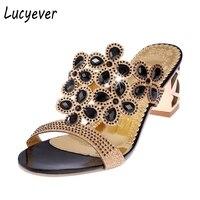 Lucyeverผู้หญิงแฟชั่นฤดูร้อนRhinestoneรองเท้าแตะ
