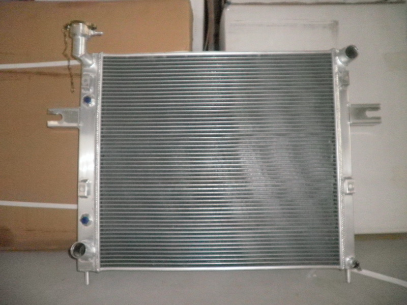 Aluminum Radiator For JEEP GRAND CHEROKEE 4.0L L6 AT 1999 2004