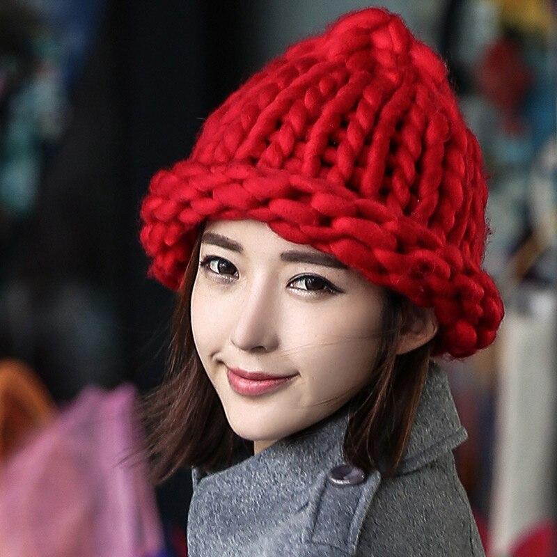 7715e8fb261d8 Sombrero tejido a mano líneas gruesas Cable gorro de lana sombreros de  invierno para mujeres hermosas mujeres de moda sombreros BM14 en Disfraces  fiestas ...