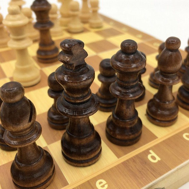 Ensemble d'échecs magnétiques et pliants en bois, taille 23.7cm x 23.7cm 4