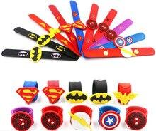Jiangzimei 24 pces superman dos desenhos animados, batman, halloween, sereia, sorriso rosto, flamingo silicone palmas anéis para crianças do miúdo menino