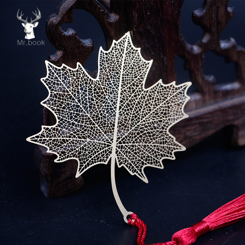 Cute Creative Golden Hollow Maple Leaf Metal Bookmark Stationery Bookmarks Book Clip Office Accessories School Supplies