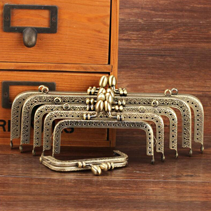 Flower Bud Embossing Square Metal Purse Frame Handle For Clutch Bag Accessories Kiss Clasp Lock Antique Bronze Tone KZ151323
