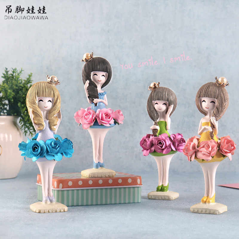 Fashion Girl Figurines Office Ornaments Creative Artware Cute Girl Figures Wedding Gift Home Decor 1 Piece Free Shipping