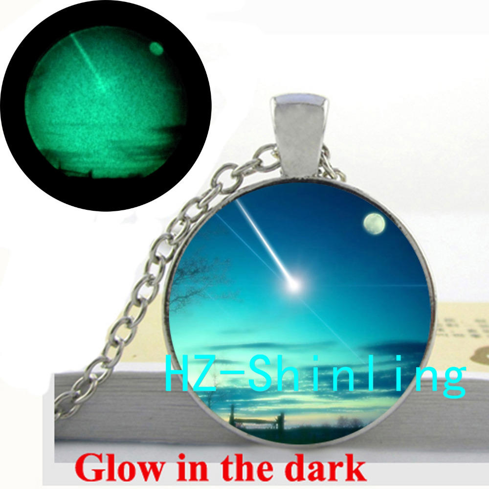 Glowing Jewelry Meteoric Shower Necklace Blue Sky Pendant Romantic Jewelry Glow in The Dark Jewelry Necklace