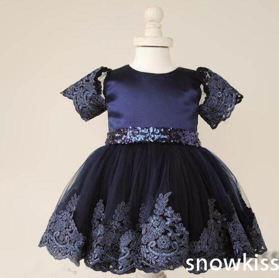 цена Cute navy blue tulle satin formal birthday party dresses O-neck short sleeve sequins appliques and butterfly baby girl dress