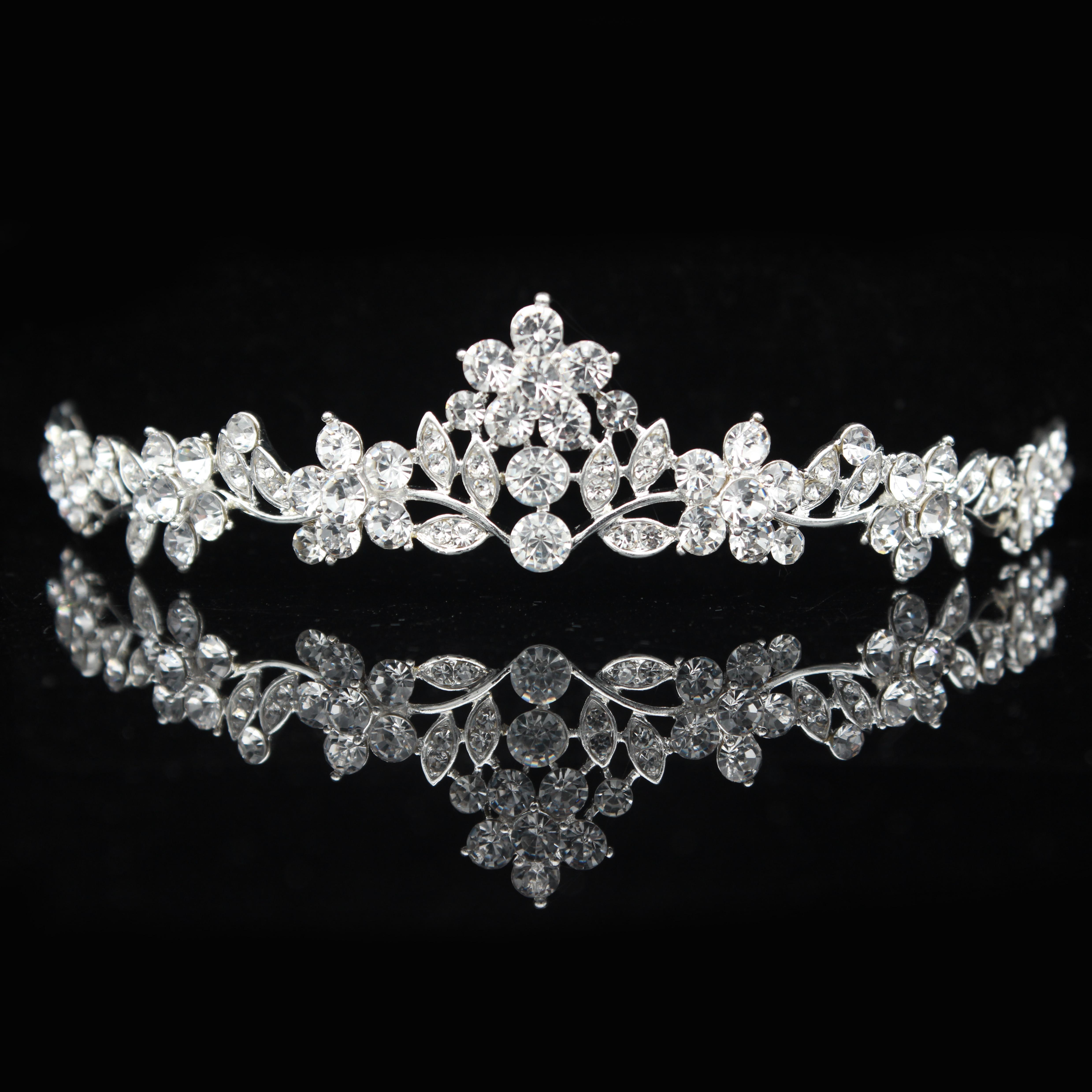 Диадема на выпускной вечер, диадема на свадьбу, диадема для невесты, украшение для волос