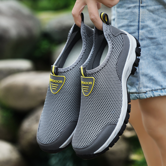 Men Hard-Wearing Sneakers Adult Mesh Casual Shoes Non-slip shoes 2018 Summer Breathable Shoes 39-48