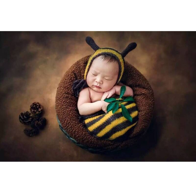 Newborn baby photo props sack soft crochet cotton knit bee hat baby cocoon  bonnet sets photography props accessories 419db046e4fb