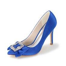 Elegante dame satin kleid schuhe high heels mit weichen bogen und strass brosche für hochzeit oder royal blue red