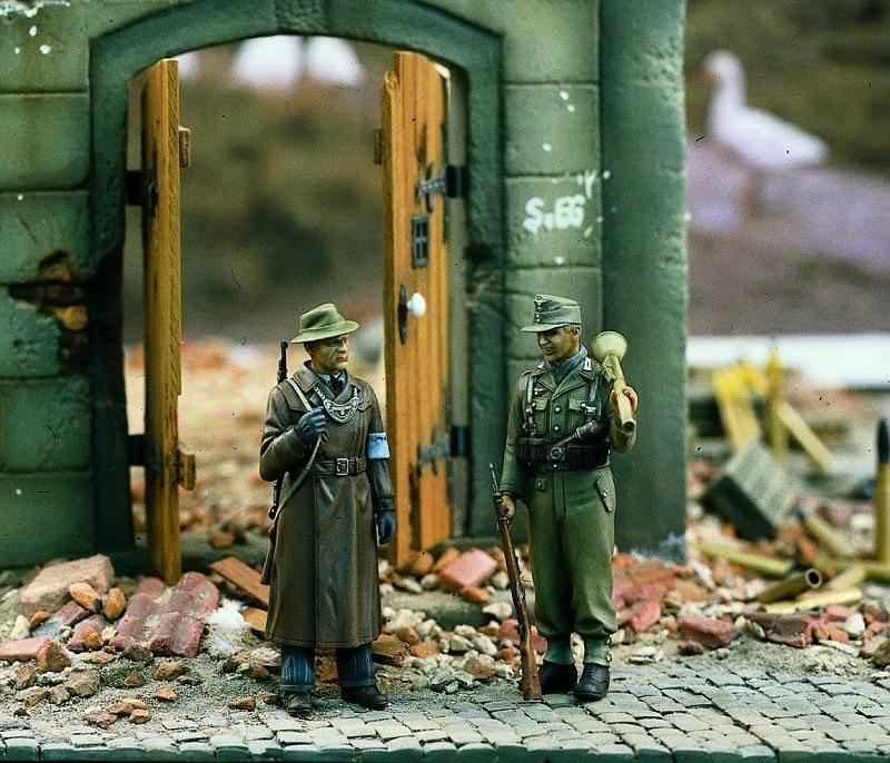 1:35    German Volksgrenadiers WWII1:35    German Volksgrenadiers WWII