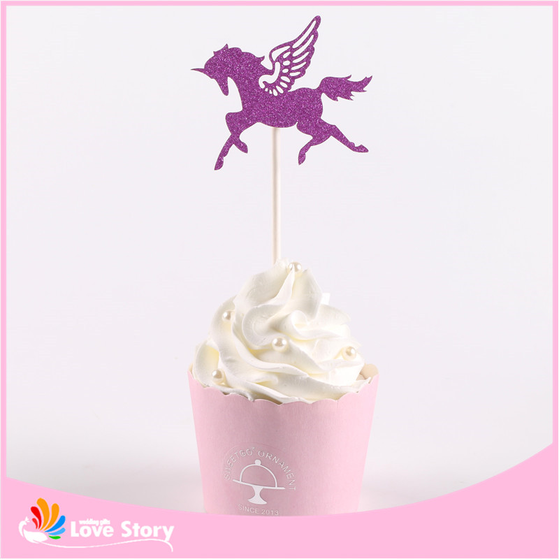 Big Heard Love 12pcs/lot Flying Horse Cupcake Topper Theme Cartoon Party Supplies Kids Birthday Christmas Supplies