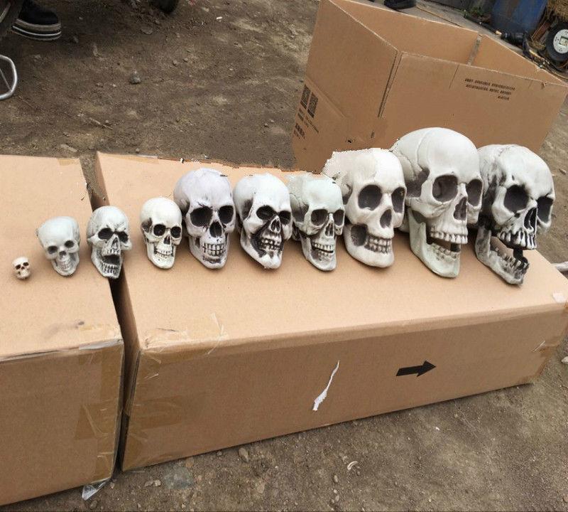 10Pcs/Lot Plastic Human Skulls Figure Decoration Skeleton Head Halloween Prop Decor toy plastic skeleton haunted house decoration closet escape bar halloween props imitation skeleton