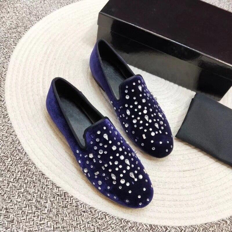 2018 럭셔리 벨벳 남자 신발 라운드 발가락 라인 석 다이아몬드 편안한 패션 로퍼 신발 남자-에서남성용 캐주얼 신발부터 신발 의  그룹 2