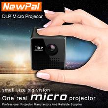 UNIC Projecteur P1 DLP Projecteur Full HD 1080 P 3D Projecteur LED Mini Pico Proyector Meilleur Home Cinéma Théâtre Beamer Seulement 200G