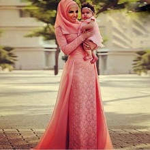 Coral Color Abaya Dubai Kaftan Muslim Arabic Evening Dresses Hijab Long Sleeves Lace Chiffon Special Occasion Formal Prom Gowns