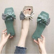 купить Women Summer Fashion Flat Slippers Bow Knot Shoes Casual Holiday Flip Flops Ladies Trensparent Square Toe Beach Slides по цене 1066.5 рублей