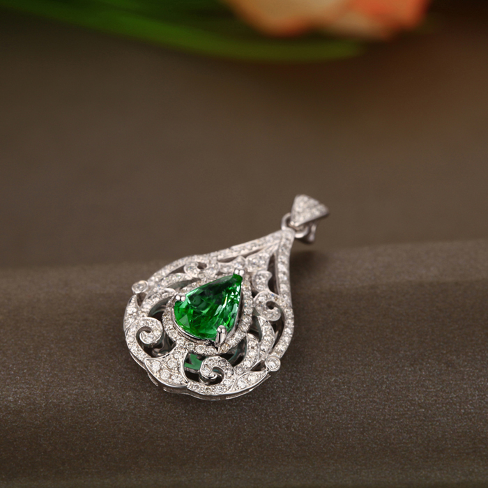 diamond necklace carat emerald vintage pendant
