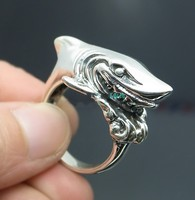 Thailand import 925 sterling silver solid white shark shark Thai silver ring