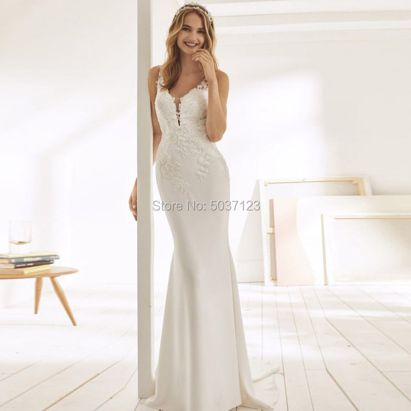 Mermaid Wedding Dresses V Neck Lace Appliques Sleeveless Button Illusion Wedding Bridal Gown Vestidos De Noiva With Sweep Train
