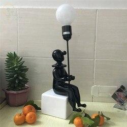 Nordycki kreatywny Clown lampa stołowa led w stylu loft żywica ceramika Cartoon lampy stołowe pokój dziecięcy salon do oświetlenia domu