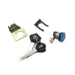 Image 2 - Interruptor de bloqueo de ignición para Suzuki GSXR600 GSXR750 GSX R GSXR 2011 2015, tapa de tanque de combustible, Juego de 2 llaves