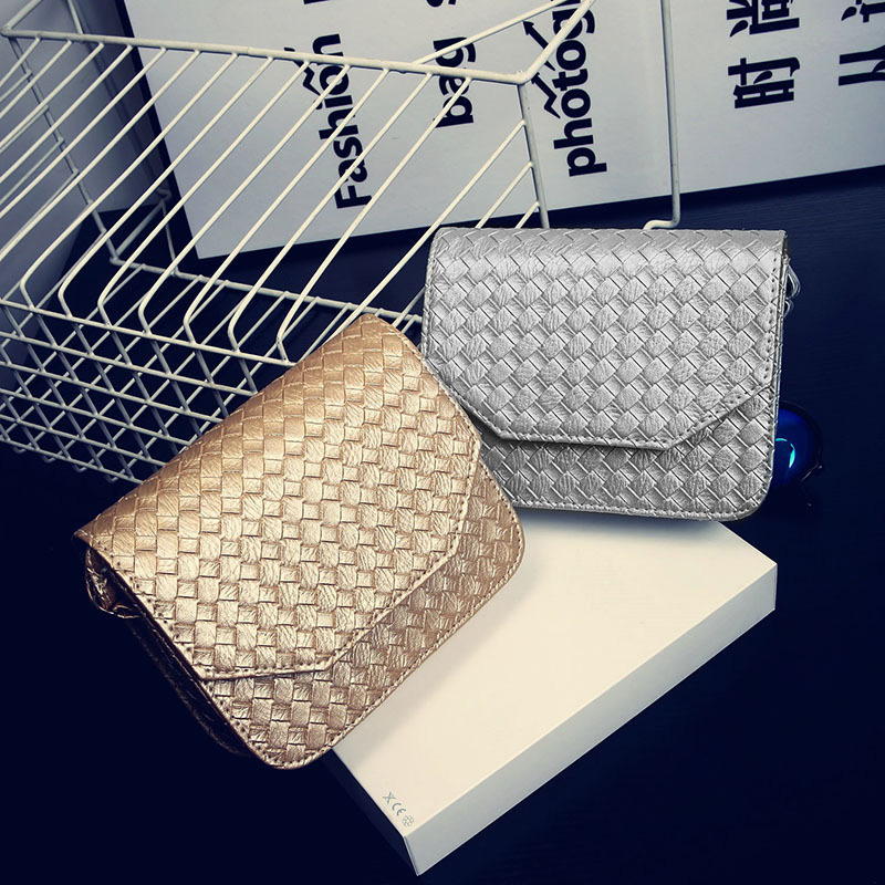 все цены на  Free shipping New 2017 New Small Cheap Simple PU Knitting Women Messange Bag Flap Bag White Gold Silver Black BB096  онлайн