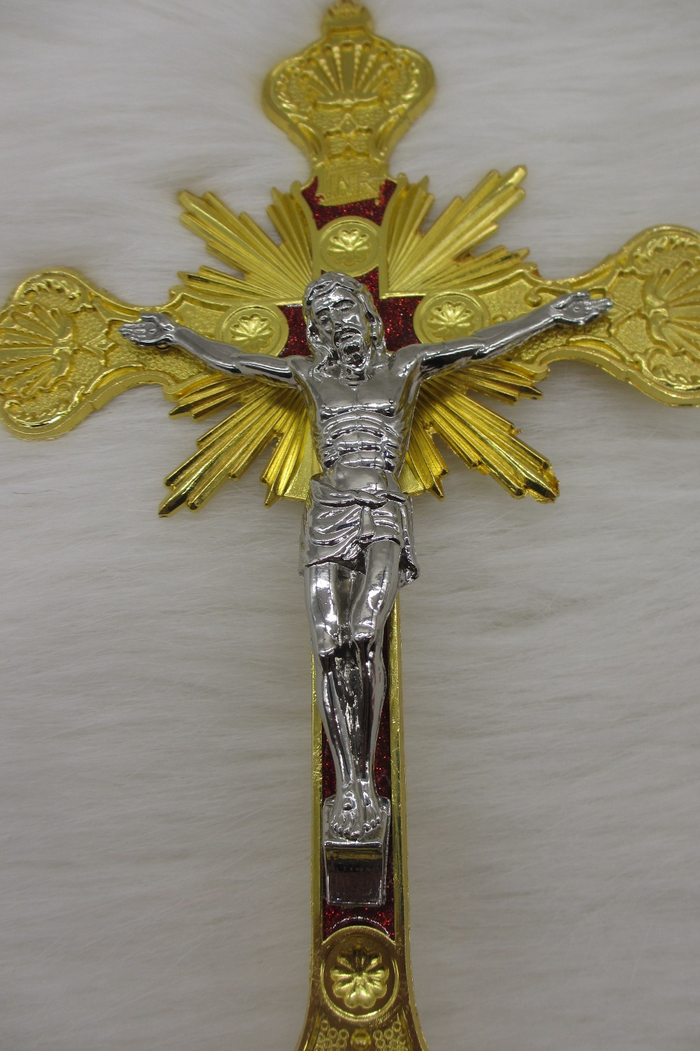13 golden cross religious gift standing church chapel cross 13 golden cross religious gift standing church chapel cross easter religious crucifixion of jesus christ statue crucifix in figurines miniatures from negle Gallery