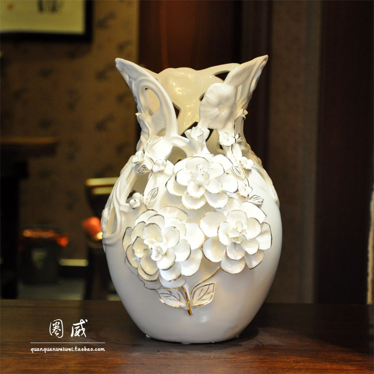 Wedding Gift Vase: Cutout Rose Gold Vase Fashion Ceramic Decoration Wedding