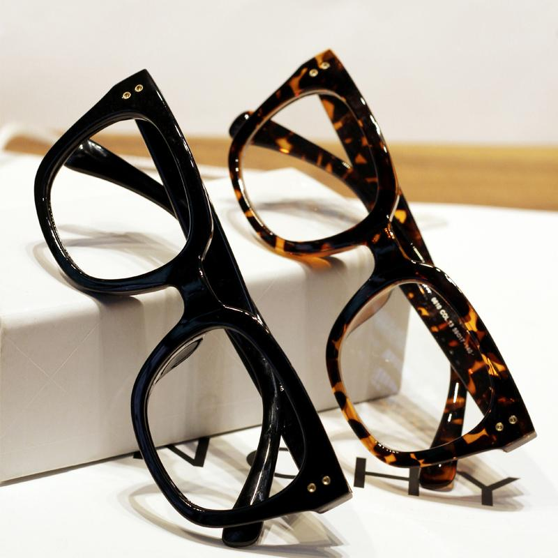 5c0ca46c8b New Fashion V shape rivet Leopard reading glasses Frame Women Men Optical  eye glasses Acetate Frame Eyewear