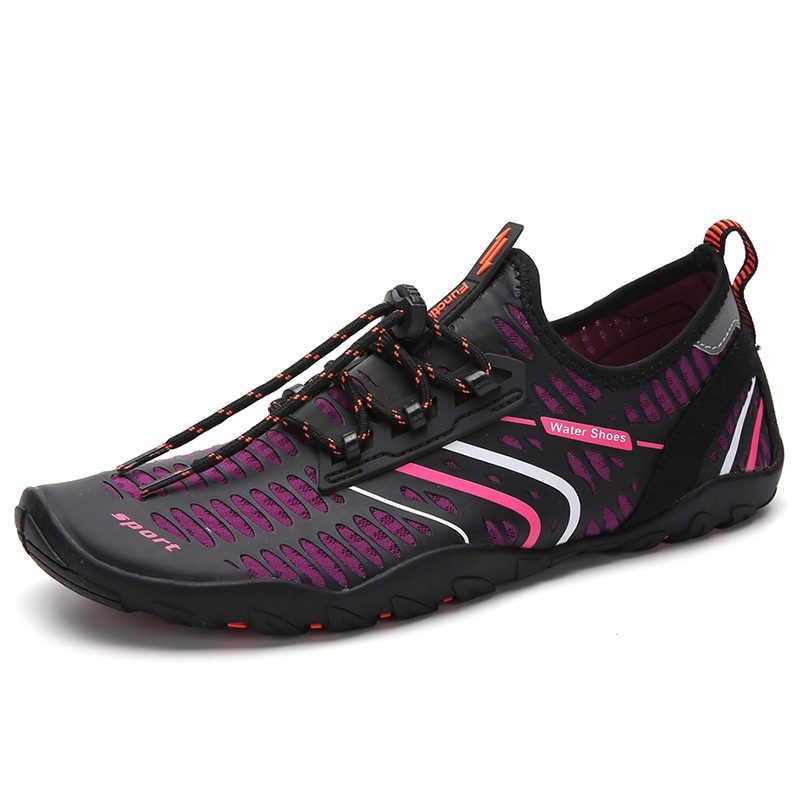 A piedi nudi Scarpe Estate Scarpe di Acqua Donna Quick Dry Aqua Scarpe Da Uomo Sandali da Spiaggia Trampolieri di Nuoto Calzini e Calzettoni Tenis Masculino 23 Colori