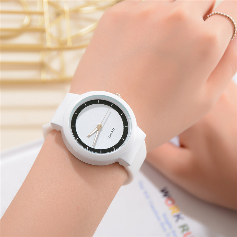 Women's Watches Casual Quartz Silica Gel Band New Strap Watch Analog Wrist Watch Bracelet Sports Watches relogio 5FN stylish bracelet zinc alloy band women s quartz analog wrist watch black 1 x 377