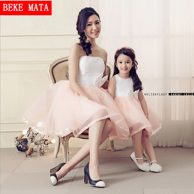2016 Spring Sleeveless Vestido Wedding Party Mother Daughter Matching Dresses Clothes Fashion Bows Mom Daughter Ball Down Dress