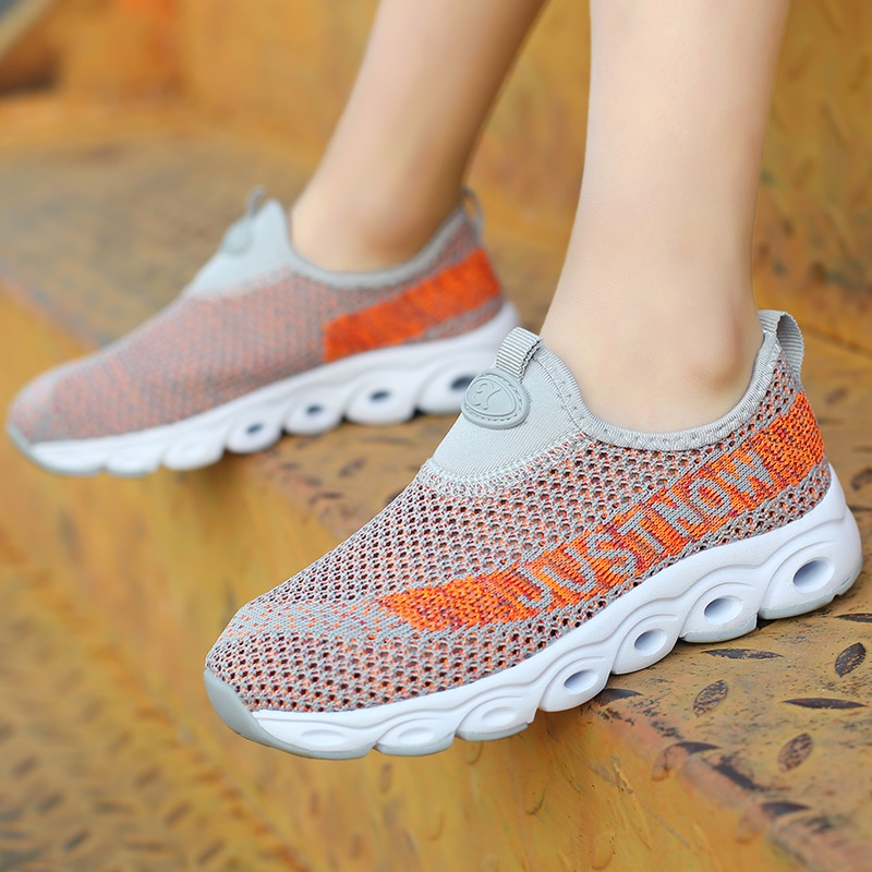 2019 Summer Male Big Child Flying Woven Mesh Breathable Sports Shoes Non Slip Wear Resistant Shockproof Sports Shoes Men