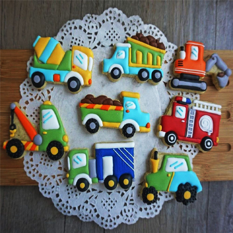 8Pcs/Set Cute Cartoon Cookie Cutter Tools 3D Plastic Car Shape Gingerbread Mold DIY Pastry Embossing Cookie Biscuit Baking Mold