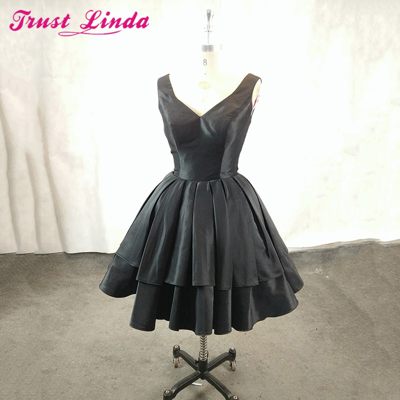 Real Image Black Short   Bridesmaid     Dresses   Simple Satin Sexy V-Neck Party   dresses   2018 For Bridal Wear Prom Party Gowns Plus Size