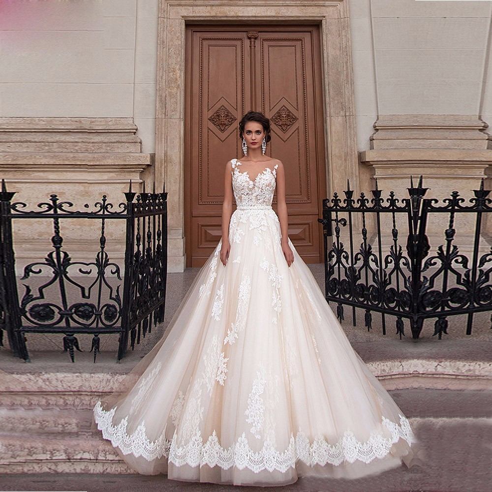 New Arrival Vintage Wedding Dress 2017 Scoop Cap Sleeve Chapel Train Applications Tulle Bride Gowns With Tulle Brautkleid