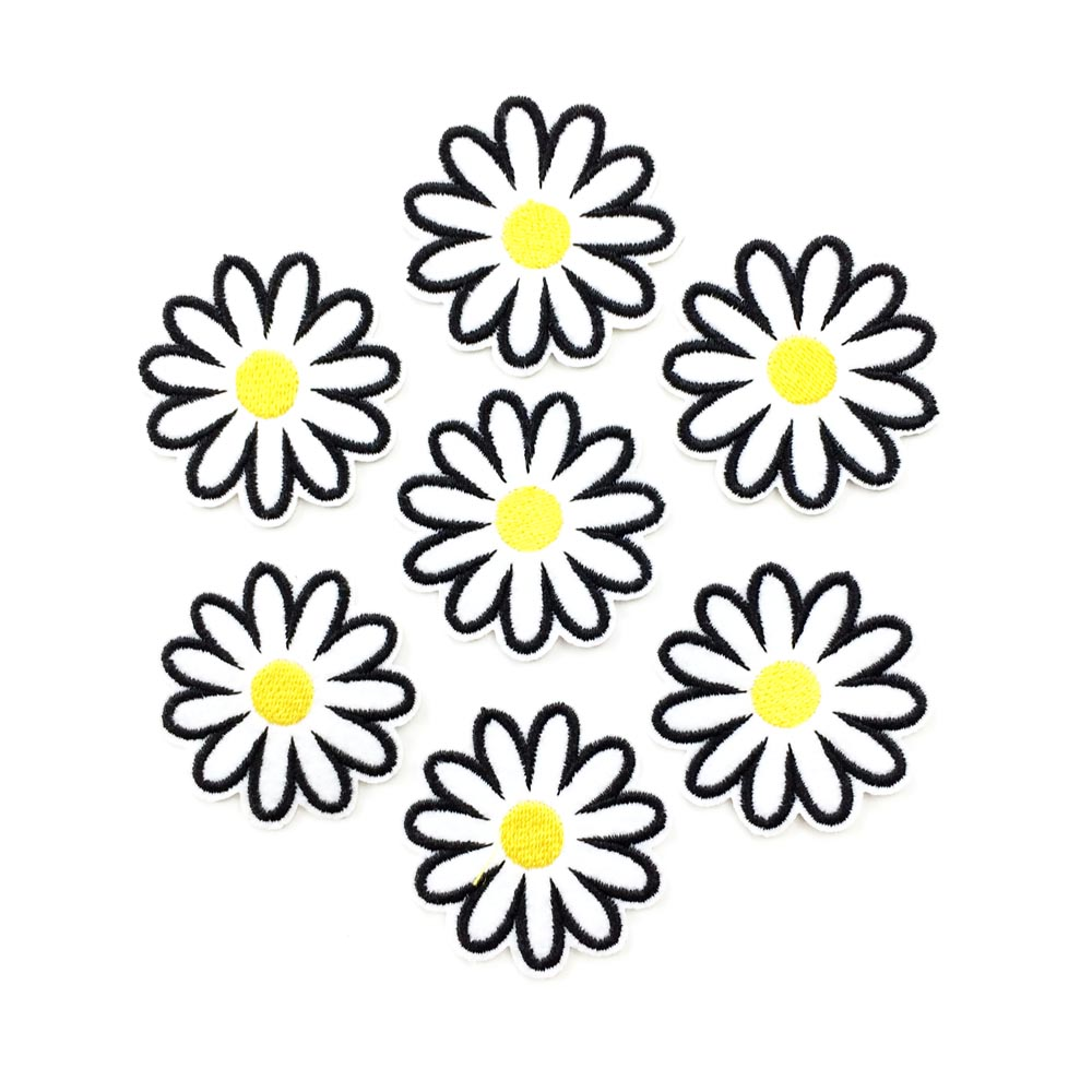 10Pcs Daisy Flower Embroidered Pathes Iron on Sewing Clothes Appliques DIY Craft