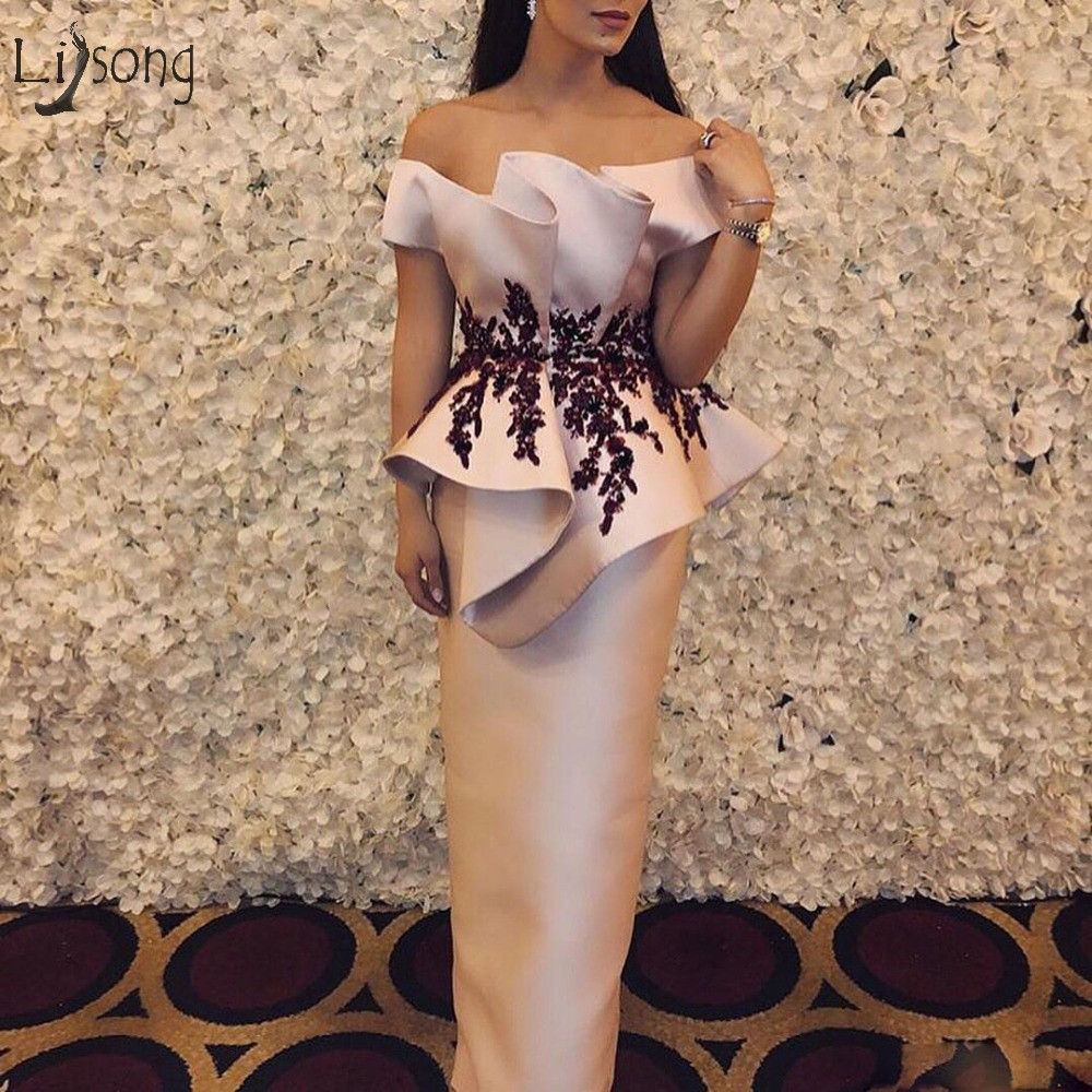 Modest Blush Pink Long Straight Prom Dresses With Ruffles Appliques Prom Gowns Off The Shoulder Fashion Formal Party Dress