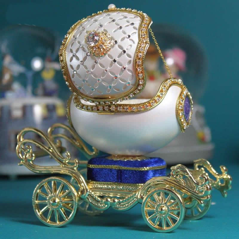 Exquisite Egg Carving Modeling Music Box Beautiful Golden